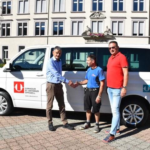 Foto Busübergabe 04.09.2020